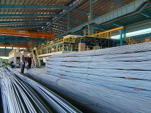 Việt Nam đang tăng giá bán thép trong nước